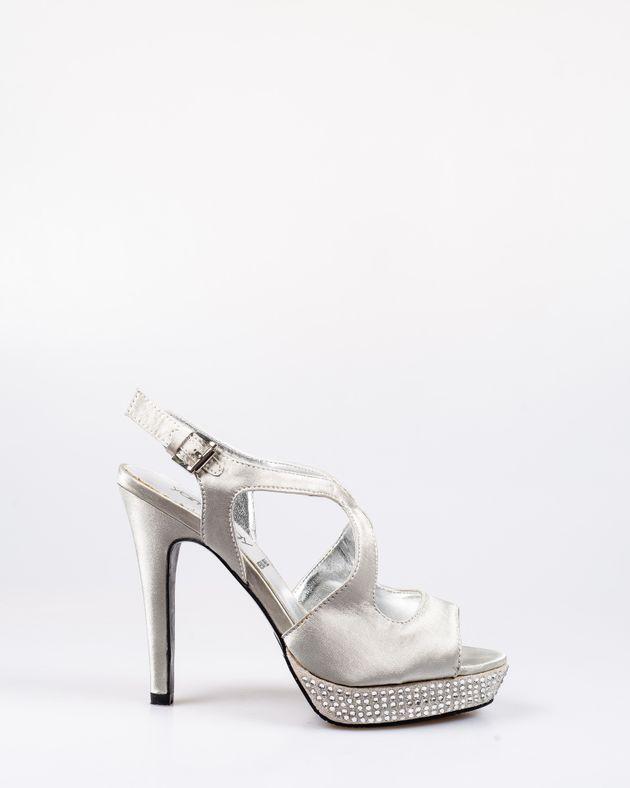 Sandale-cu-toc-si-aplicatii-1908814009