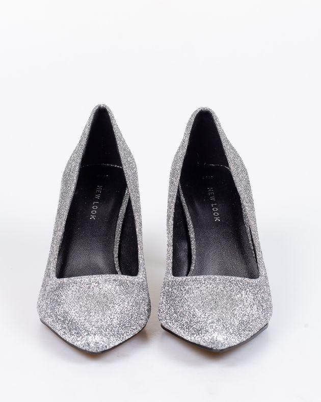Pantofi-cu-toc-si-varf-ascutit-1912801032