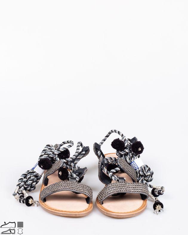 Sandale-din-piele-naturala-cu-siret-pe-picior-si-aplicatii-1917914002