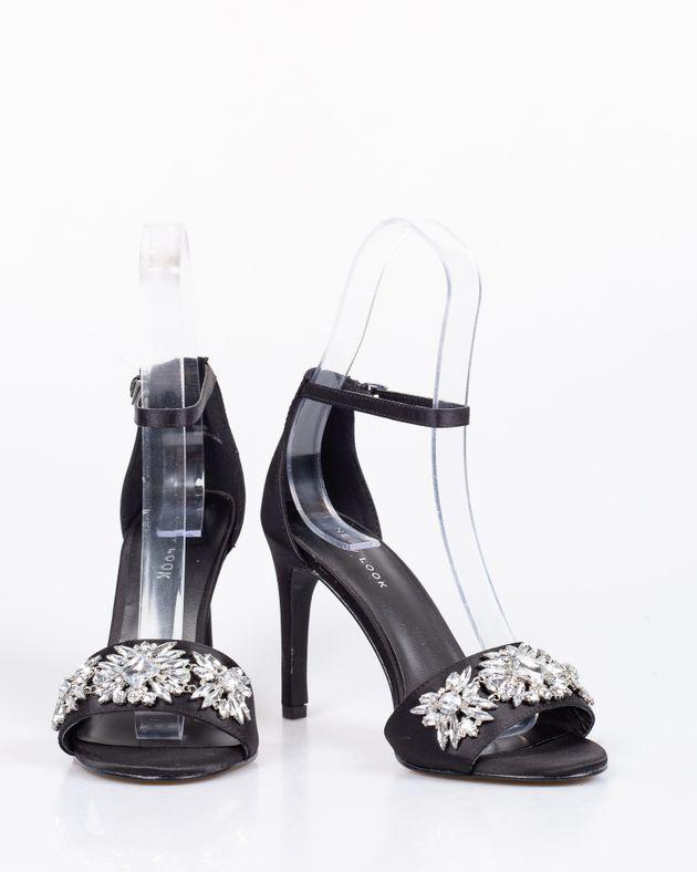 Sandale-din-satin-cu-toc-si-accesoriu--din-metal--1912801065