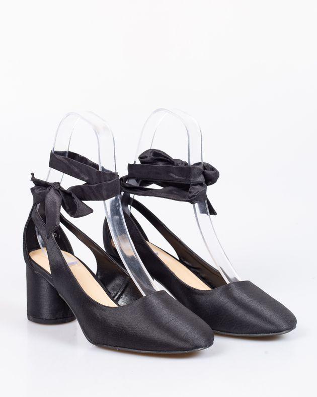 Pantofi-din-satin-cu-toc-rotund-si-snur-care-se-leaga-pe-picior-1912801068