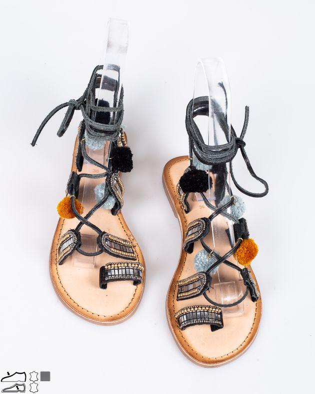 Sandale-Gioseppo-cu-snur-care-se-leaga-pe-picior-cu-aplicatii-si-ciucuri-1917909005