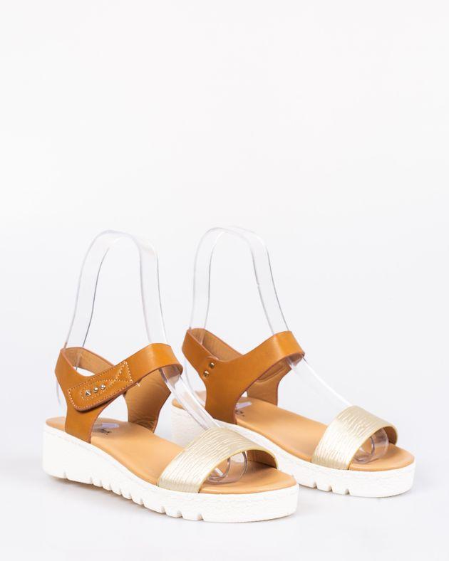 Sandale-usoare-cu-platforma-si-talpa-moale-cu-barete-cu-sistem-de-prindere-cu-arici-1925308105