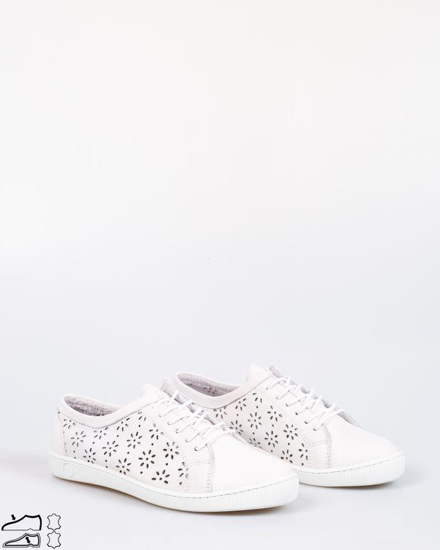 Pantofi-comozi-din-piele-naturala-cu-model-perforat-si-sireturi-1926001003