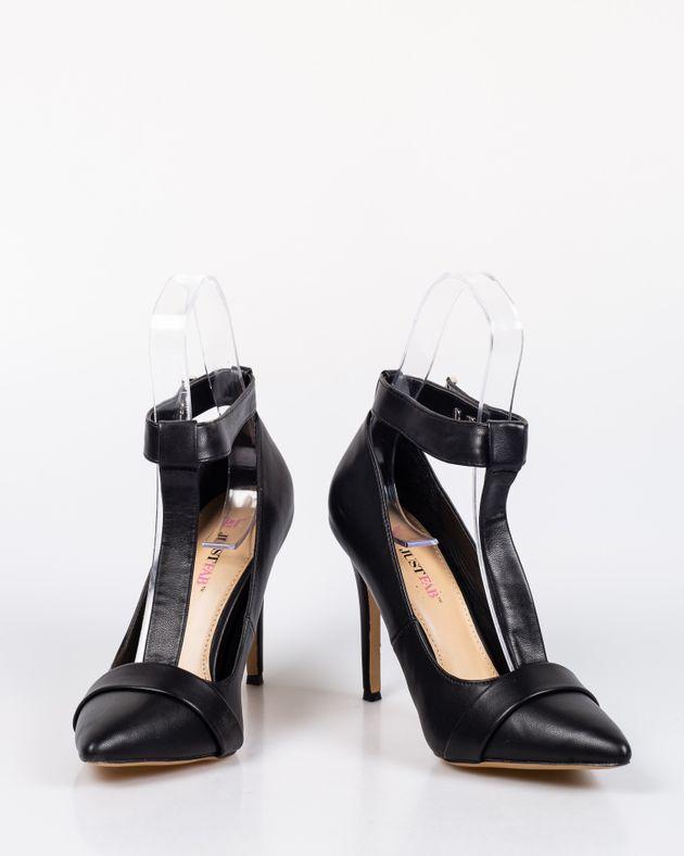 Pantofi-eleganti-cu-toc-si-varf-ascutit-cu-barete-1927001035
