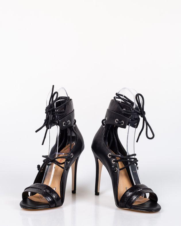 Sandale-cu-toc-inalt-si-talpa-moale-cu-snur-care-se-leaga-pe-picior-1927001054