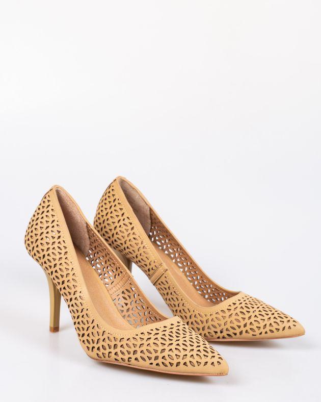 Pantofi-din-piele-ecologica-cu-toc-si-model-perforat-si-varf-ascutit-1927001102