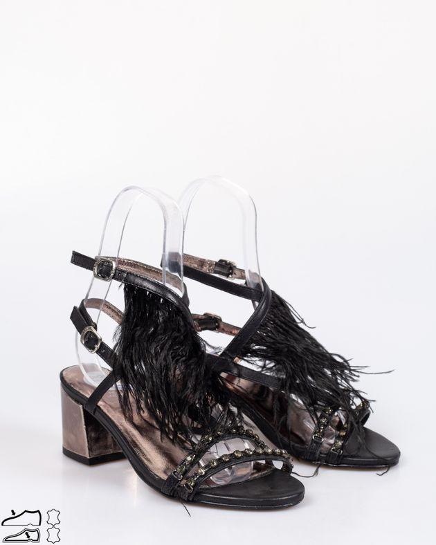 Sandale-Gioseppo-din-piele-naturala-cu-talpa-moale-si-toc-bloc-cu-barete-cu-imitatie-din-pene-si-catarama-1929016002