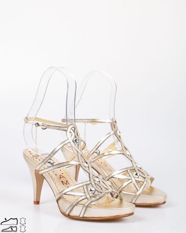 Sandale-din-piele-naturala-cu-toc-mediu-si-platforma-cu-barete-decorate-cu-cristale-aplicate-1911508078