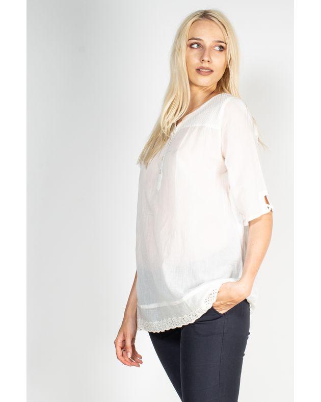 Bluza-usor-transparenta-cu-maneca-trei-sferturi-si-decolteu-cu-nasturi-N904012001