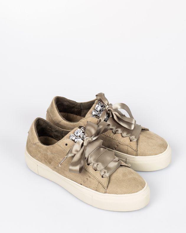 Pantofi-CORINA-casual-cu-talpa-inalta-si-moale-cu-detalii-din-imitatie-cristale-cu-sireturi-1933903002