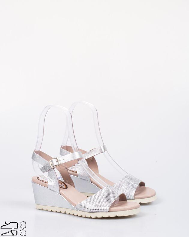 Sandale-din-piele-naturala-cu-platforma-si-barete-cu-catarama-1938605037
