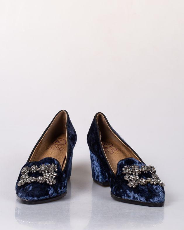 Pantofi-din-catifea-cu-toc-bloc-si-varf-ascutit-cu-accesoriu-din-metal-1949507012