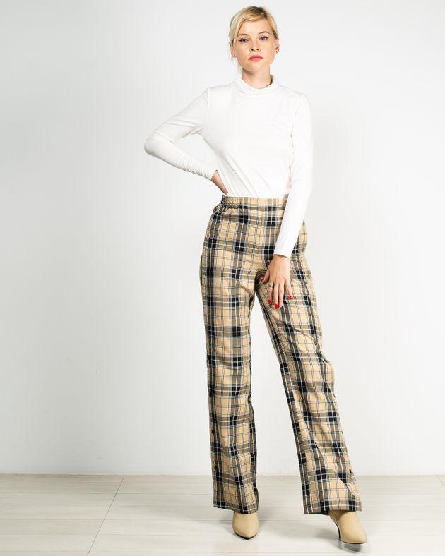 Pantaloni-in-carouri-cu-talia-elastica-si-caspe-in-lateral-1944101044