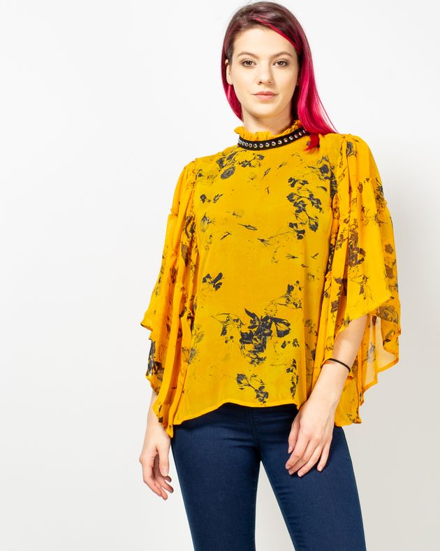 Bluza-cu-imprimeu-si-detalii-la-baza-gatului-1935802153