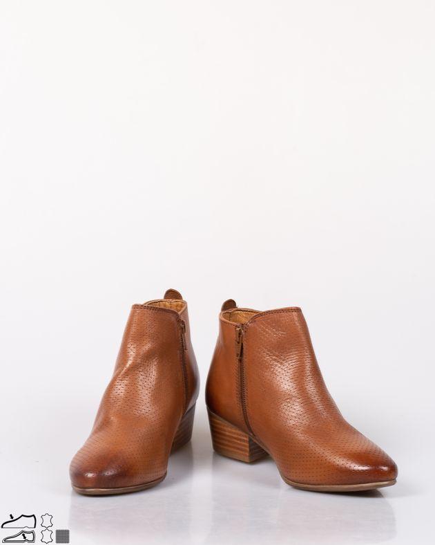Ghete-din-piele-naturala-cu-fermoar-lateral-si-model-perforat-1952503022