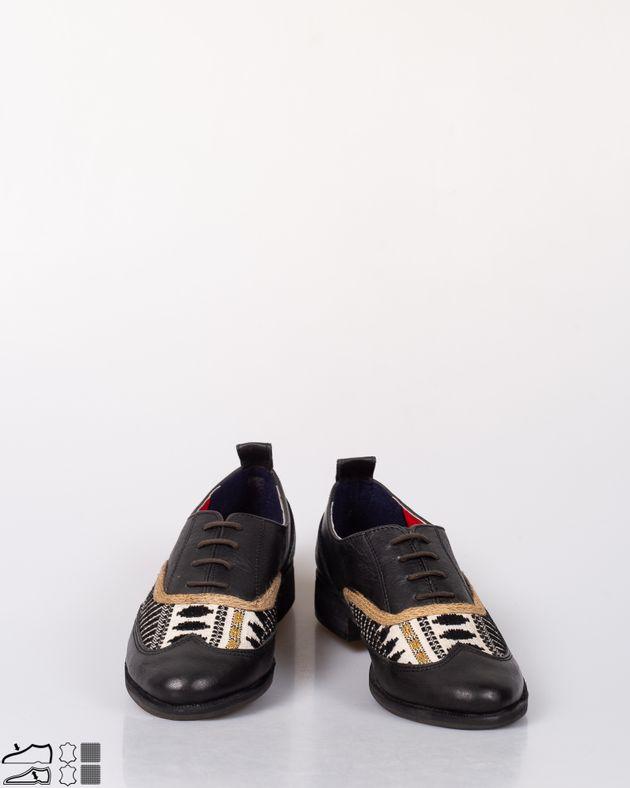 Pantofi-casual-din-piele-naturala-cu-sireturi-si-model-brodat-N915006003