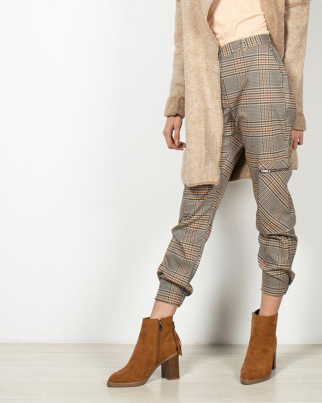 Pantaloni-casual-in-dungi-cu-buzunare-19503F6001