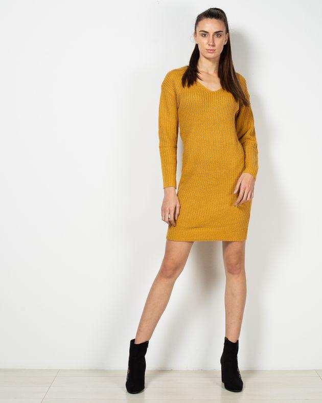 Rochie-tricotata-cu-detaliu-la-spate-1952607010