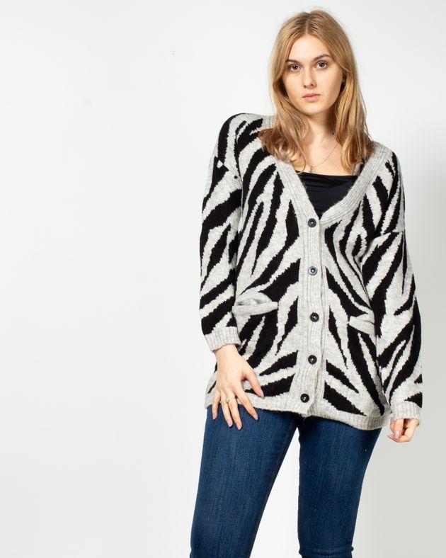 Cardigan-tricotat-cu-buzunare-si-nasturi-1950401001