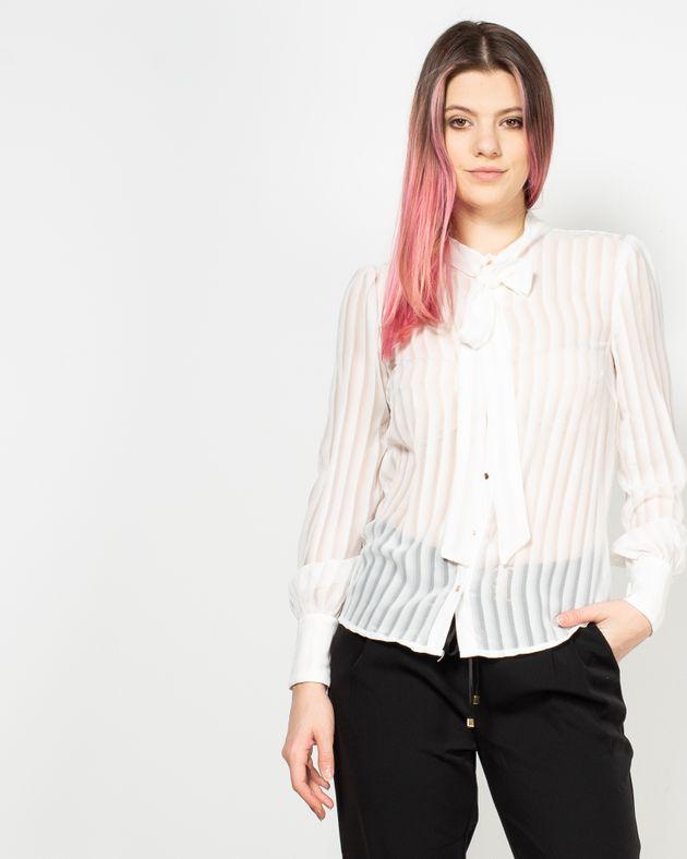 Bluza-transparenta-cu-nasturi-si-snur-la-baza-gatului-1941101100