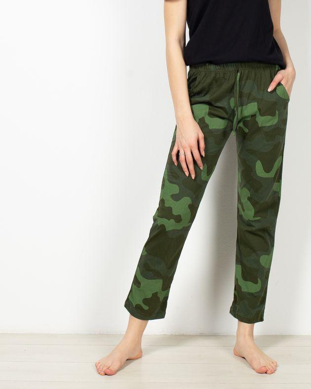 Pantaloni-de-pijama-cu-imprimeu-si-buzunare-1955453004