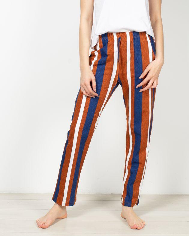 Pantaloni-de-pijama-cu-buzunare-si-dungi-1955453007