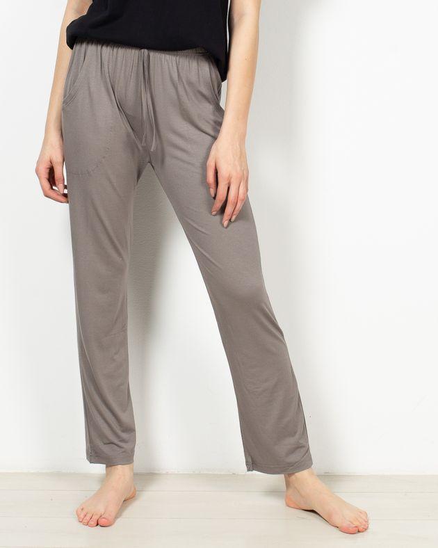 Pantaloni-de-pijama-cu-buzunare-si-talie-elastica-1955453025