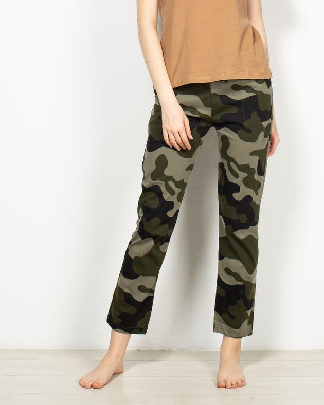 Pantaloni-de-pijama-cu-buzunare-si-imprimeu-1955417001