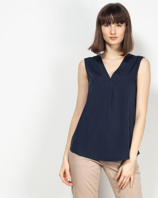Bluza-fara-maneci-cu-decolteu-in-V-N913001012