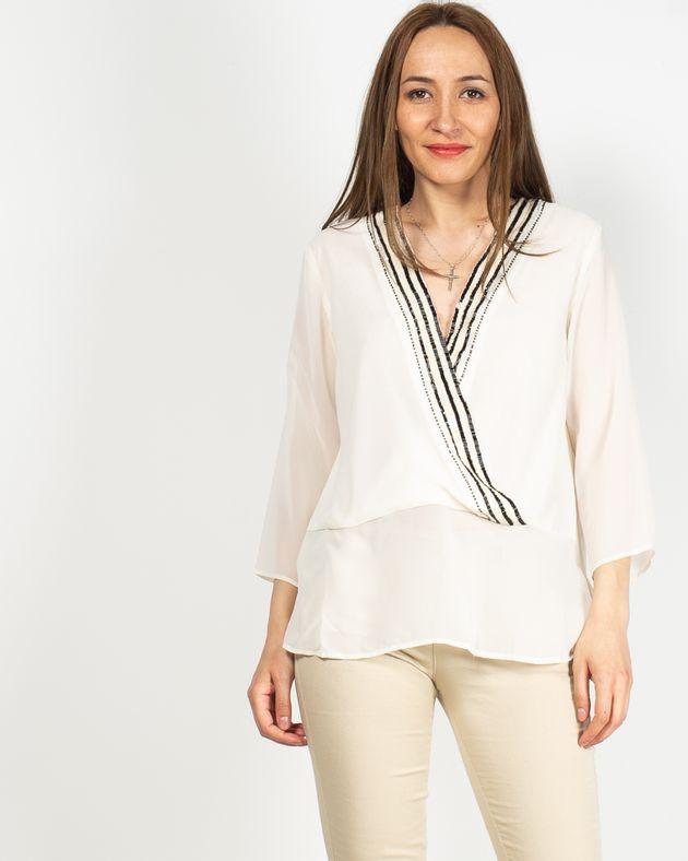 Bluza-transparenta-cu-decolteu-prevazut-cu-paiete-aplicate-N925011006
