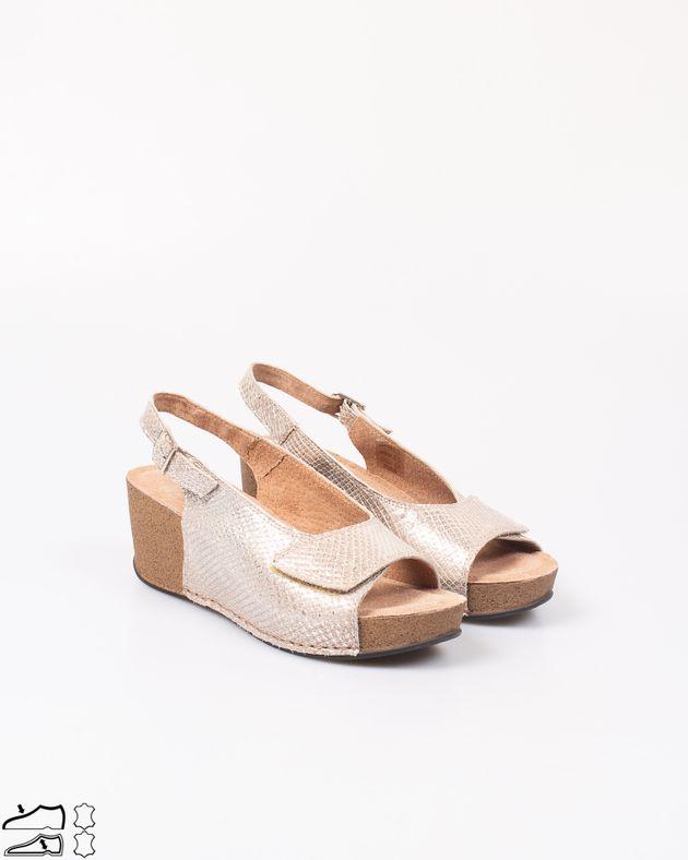 Sandale-din-piele-naturala-cu-talpa-din-pluta-si-barete-cu-arici-si-catarama-2012725040