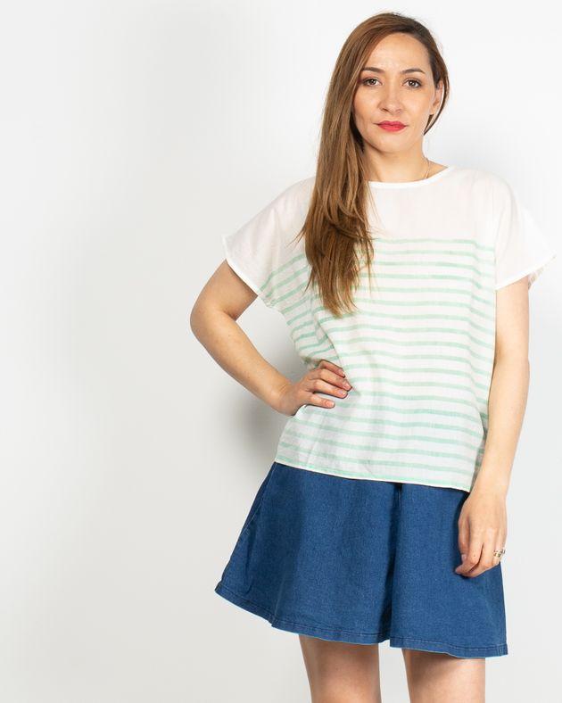 Bluza-transparenta-cu-maneca-scurta-lasata-si-dungi-N91913036