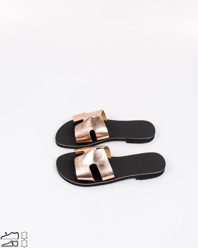 Papuci-foarte-usori-din-piele-naturala-cu-barete-metalizate-2013601036