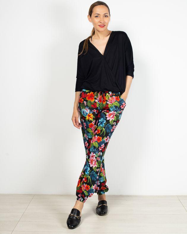 Pantaloni-casual-cu-imprimeu-floral-si-buzunare