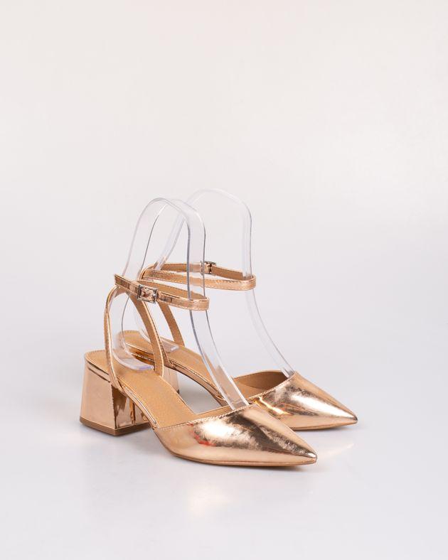 Pantofi-decupati-cu-toc-bloc-si-barete-cu-catarama