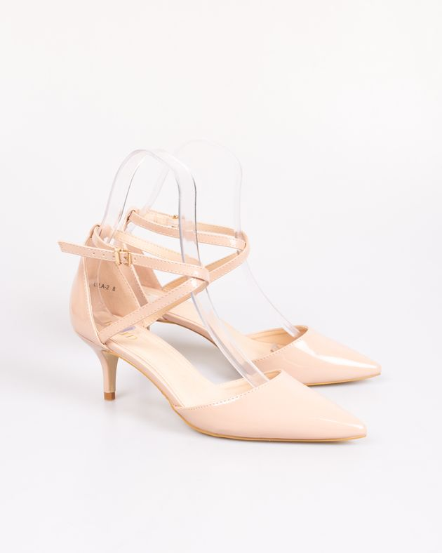 Pantofi-decupati-din-lac-cu-toc-mic-si-barete
