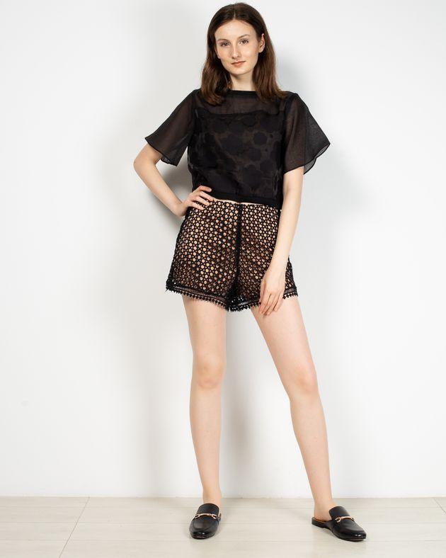 Pantaloni-scurti-Axel-cu-model-brodat-si-fermoar-la-spate