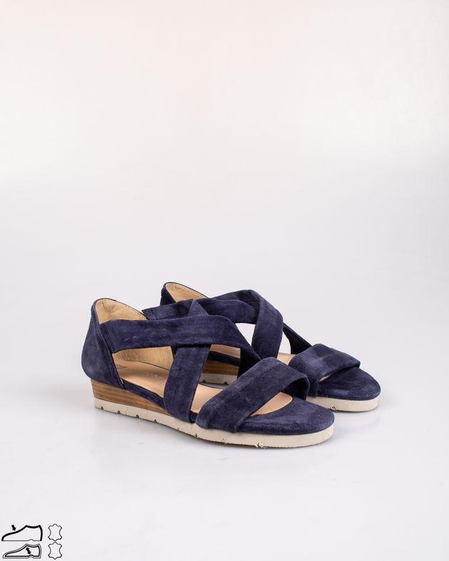 Sandale-usoare-din-piele-naturala-cu-platforma-si-barete
