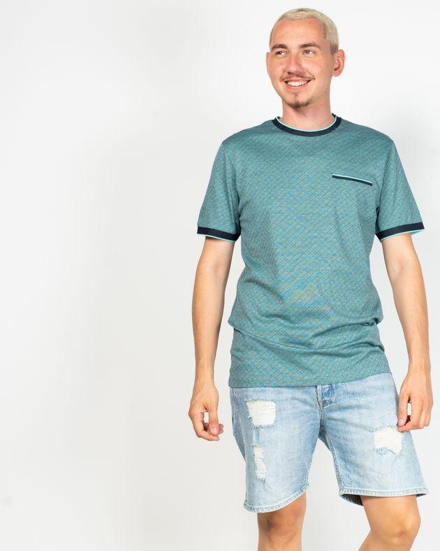 Tricou-cu-imprimeu-si-guler-rotund-elastic