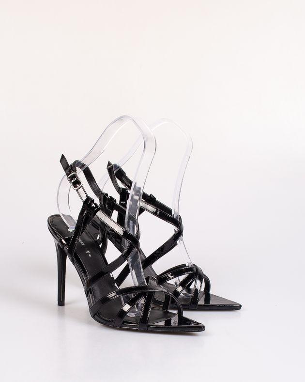 Sandale-lacuite-cu-varf-ascutit-si-barete-subtiri