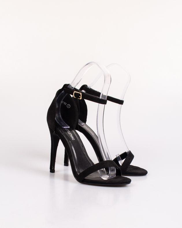 Pantofi-cu-toc-mic-si-snur-impletit-care-se-leaga-pe-picior
