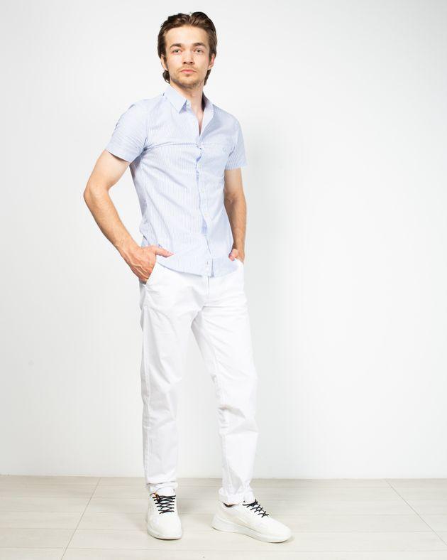 Pantaloni-fit-cu-buzunare-si-nasturi