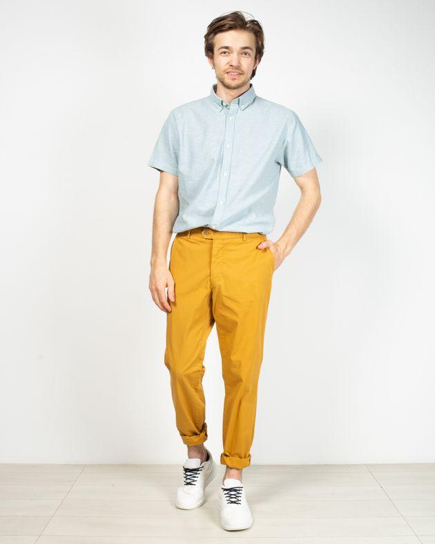 Pantaloni-regular-fit-cu-buzunare-si-nasturi