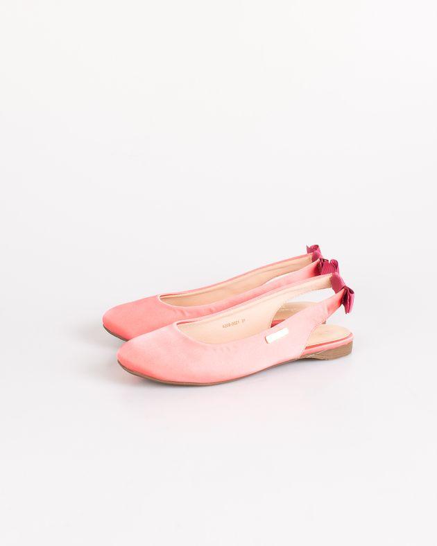 Pantofi-Axel-decupati-cu-talpa-joasa-si-funda-la-spate