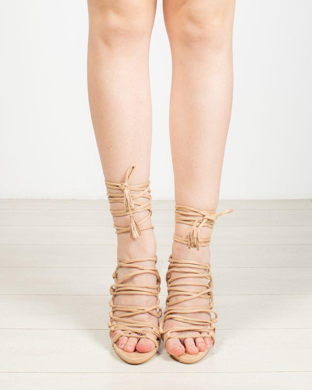 Sandale-cu-snur-pe-picior-si-inalt