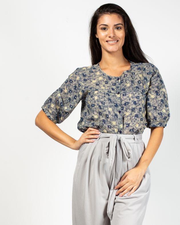 Bluza-transparenta-cu-nasturi