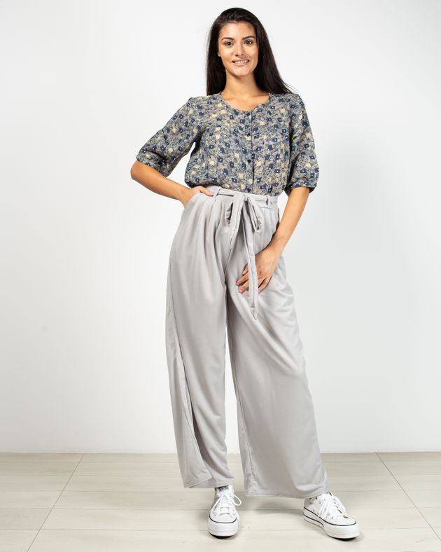 Pantaloni-evazati-cu-talie-inalta-elastica