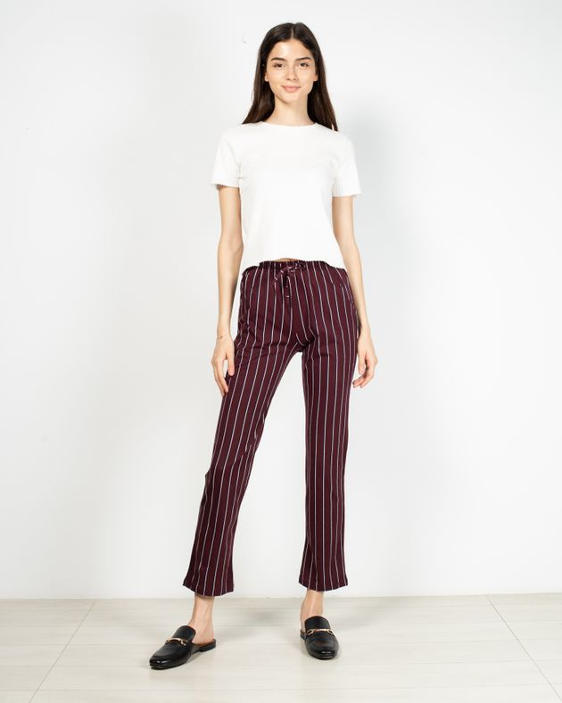 Pantaloni-cu-dungi-si-talie-elastica