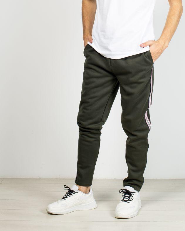 Pantaloni-de-trening-cu-dungi-laterale-si-buzunare